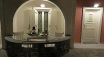 Villa Manos, hotels in Karterados