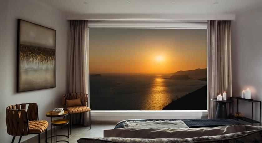 Athermi Suites, Hotel in Megalochori, Greece - Santorini View