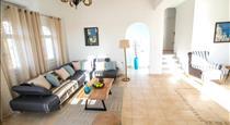 Caldera Sunset Villa, hotels in Megalochori