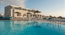 Caldera's Dolphin Suites, hotels in Megalochori