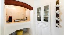 Kampanario Luxury Villa, hotels in Megalochori