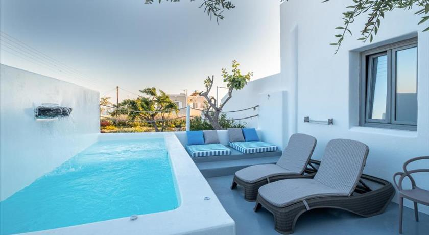 MAJESTIC SKY LUXURY SUITES in Santorini - 2019 Prices,Photos,Ratings - Book Now