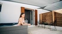 Mesanto Luxury Suites, hotels in Megalochori