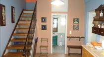 Santorious Apartments, hotels in Megalochori