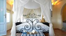 Suites Of The Gods Cave Spa Hotel, hotels in Megalochori