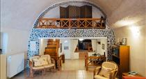 Canava Santino Cave Houses, hotels in Messaria