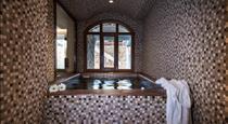 marvarit suites, hotels in Messaria