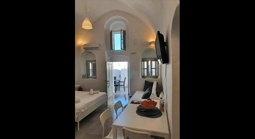 NEFELI TRADITIONAL CAVE HOUSE in Santorini - 2019 Prices,Photos,Ratings - Book Now