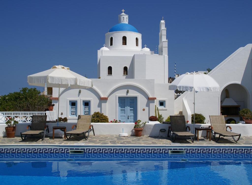 how to get from santorini airport to oia