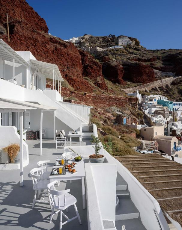 Amoudi Villas Hotel