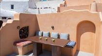 Azalea Houses, hotels in Oia