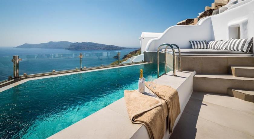 Elite Luxury Suites Hotels In Oia