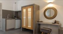 Elitoz Suites, hotels in Oia