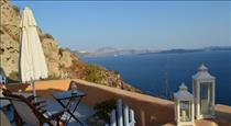 Goddess Lethe, hotels in Oia