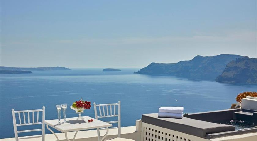 LA MALTESE OIA in Santorini - 2019 Prices,Photos,Ratings - Book Now