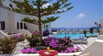 Nikos Villas, hotels in Oia
