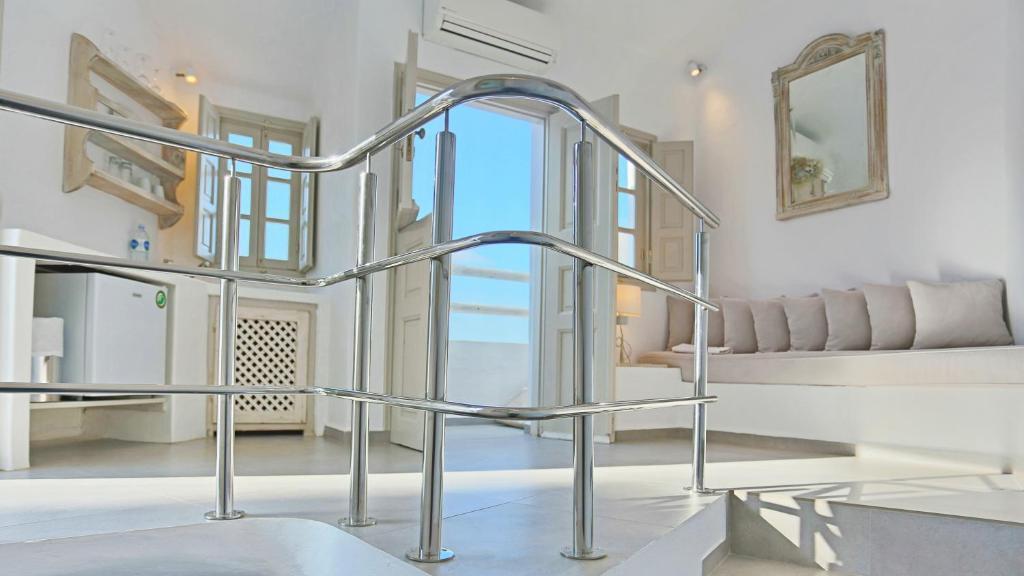 oia mare villas in santorini 2019 prices photos ratings. Black Bedroom Furniture Sets. Home Design Ideas