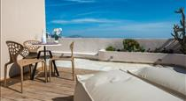 Passion Blue Villas, hotels in Oia