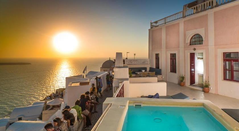 Poseidon Mansion Sunset, Hotel in Oia, Greece - Santorini View
