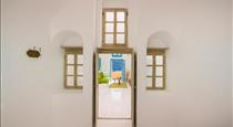 Santa Irini Cave Sunset Villa, hotels in Oia