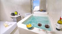 white cave house, hotels in Oia