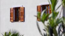 Almyra Villa, hotels in Perissa