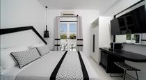 Divelia Hotel, hotels in Perissa