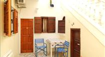 Evelina Pension, hotels in Perissa