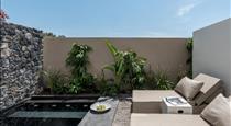 Istoria, hotels in Perissa