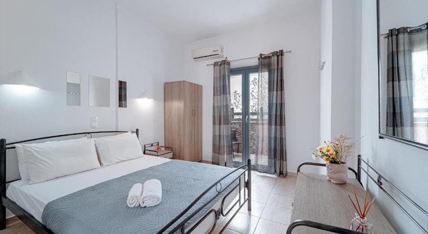 Marousi Rooms, Hotels in Perissa, Greece - Santorini View