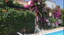 Studios Irineos, hotels in Perissa