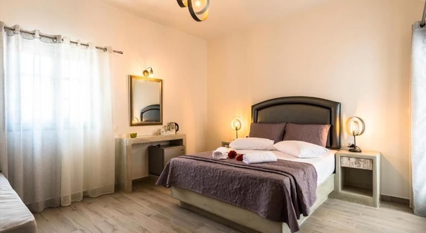Villa Dolphins, Hotel in Perissa, Greece - Santorini View