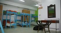 Youth Hostel Anna, hotels in Perissa