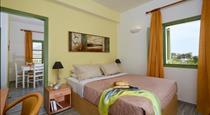 Ambeli Apartments, hotels in Perivolos