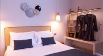 Glykeria Mini Suites, hotels in Perivolos