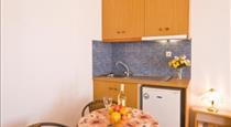 Pension St.George, hotels in Perivolos