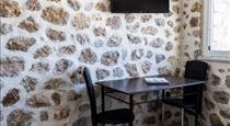 Aroma Cavas, hotels in Pyrgos