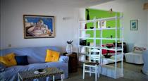 Escape Cottage, hotels in Pyrgos