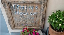 Flora's House Cave Winery, hotels in Pyrgos