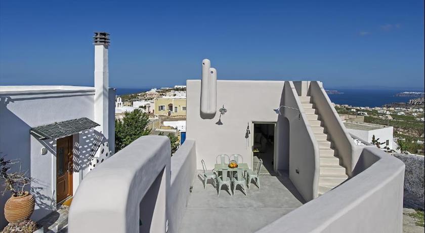 Pyrgos terrace house hotels in pyrgos greece santorini for Terrace house full episodes