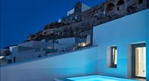 White & Co. La Torre Suites, hotels in Pyrgos