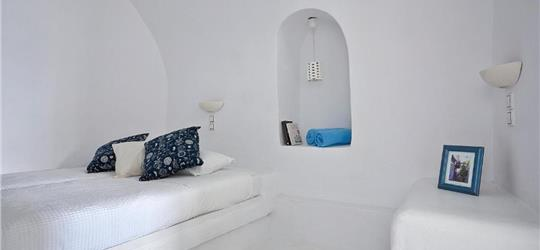 Photo of Imerovigli Villa Sleeps 7 Air Con WiFi