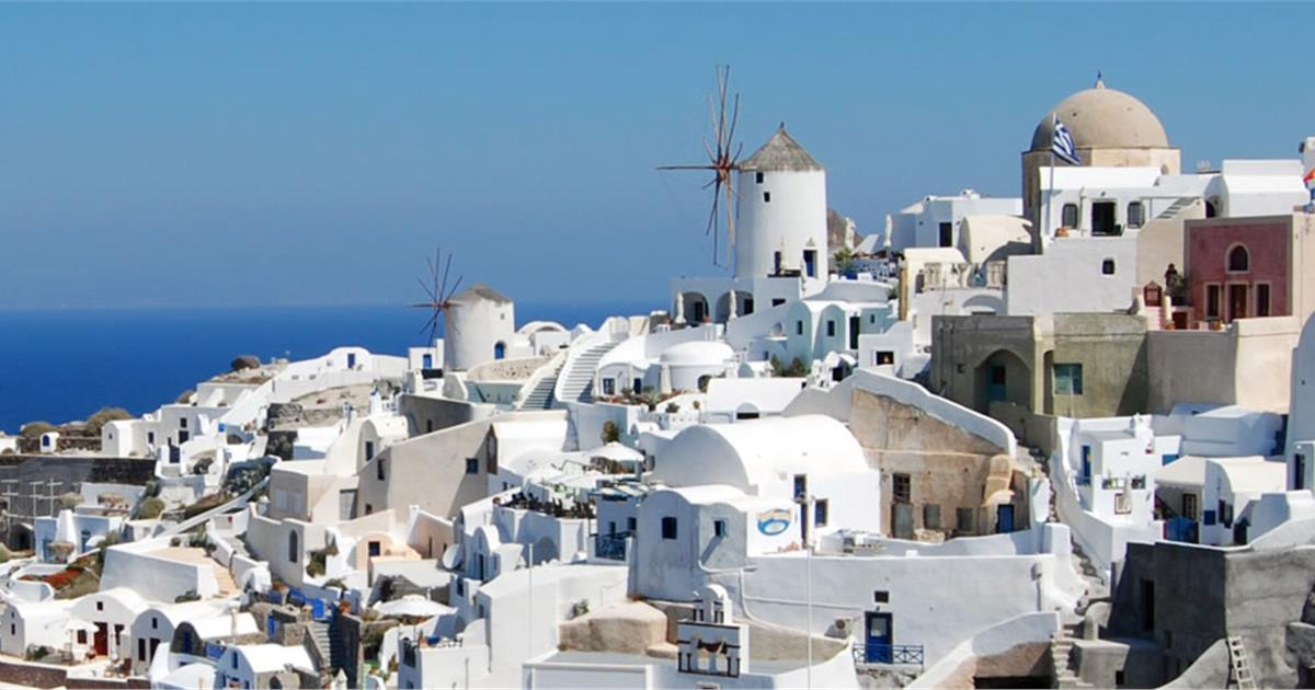 Why Are Most Houses White Painted In Santorini
