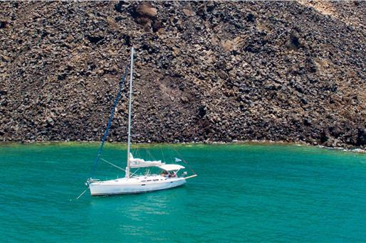 Sailing Cruises in Santorini