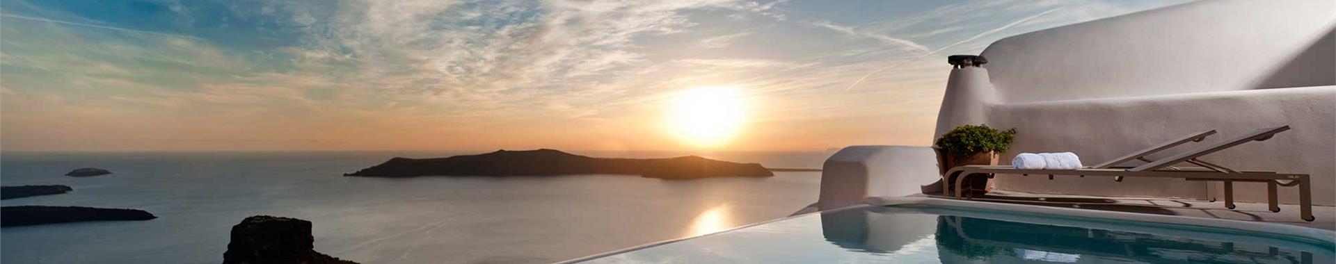 Kamari or Exo Gonia Santorini Honeymoon Hotels
