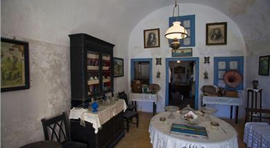 The Folklore Museum of Emmanuel A. Lignos - Museums - Santorini